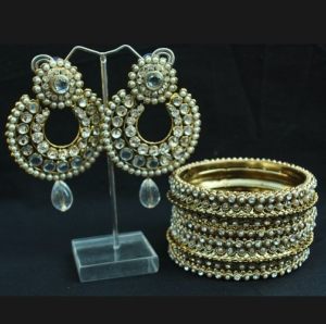 Stone and Pearl studded Bangles with earrings