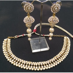 Dazzling Pearl Necklace set