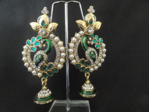 Green-stone-Kundan-necklace-with-Green-Peacock-earrings