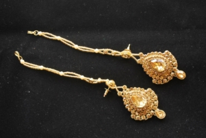 Imitation reeti fashions's bridal jewellery set in gold tone (8 Pieces)-1
