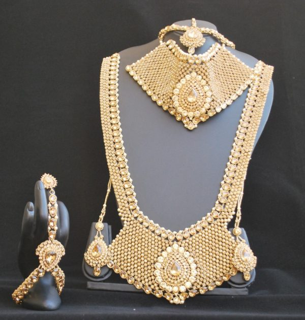 Bridal Necklace set - 8 pieces