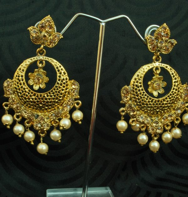 Reeti Fashions - Gold Tone with Pearls Earrings