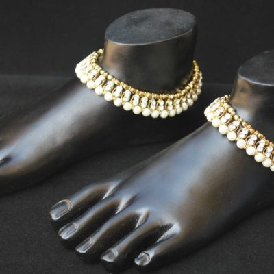 Imitation artificial Jewellery white stone and pearls studded anklets