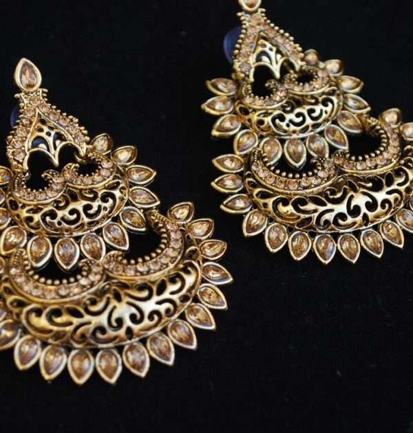 artificial fine intricately designed bronze tone stylish earrings