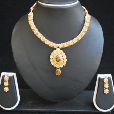 Imitation artificial jewellery – gold tone choker with elegant earrings-2
