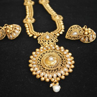 Imitation copper base pearl temple jewellery necklace set