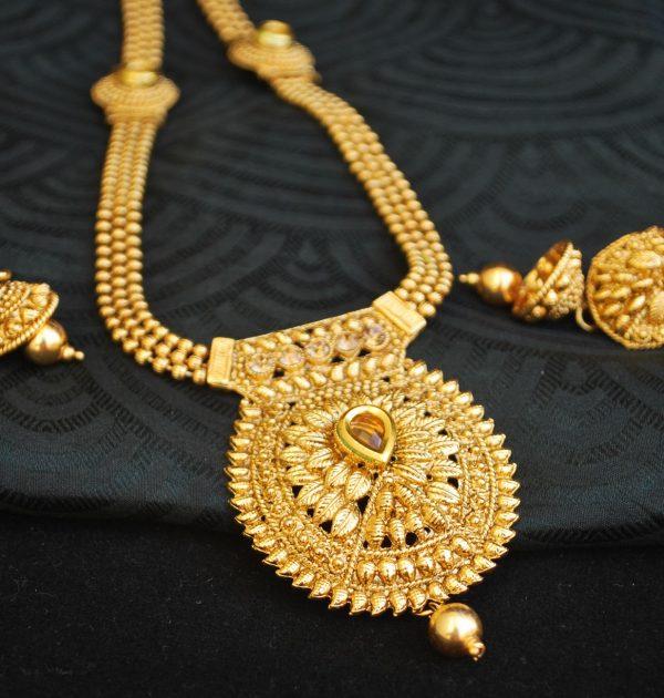 Imitation Imitation Jewellery gold tone long haram style necklace set