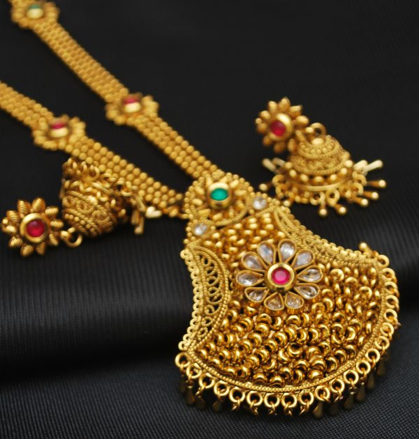 artificial jewellery – copper base multicolour stone studded necklace set