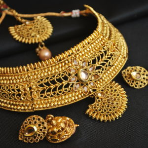 Imiation artificial finely designed real gold look gold tone choker neckace set