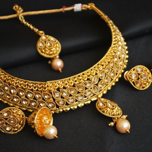 Imitation artificial golden kundan choker necklace set with maang tikka-1