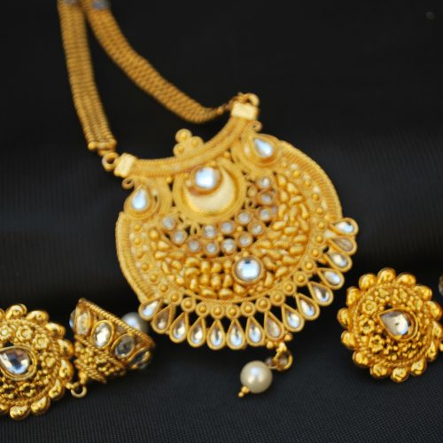 Multilayer Pearl and Stone Studded Long Necklace set with Maang tikka