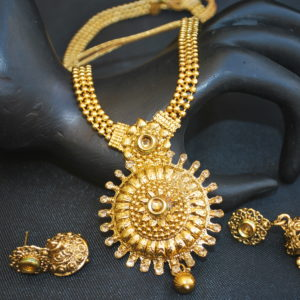 artificial elegantly carved beaded chain round artificial traditional necklace set