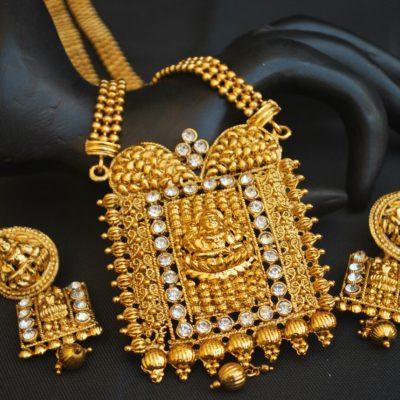 Imitation traditional golden white stone temple design long haram style necklace set