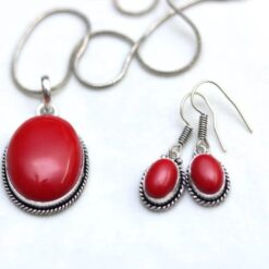 Oxidized Red Stone pendent set with chain