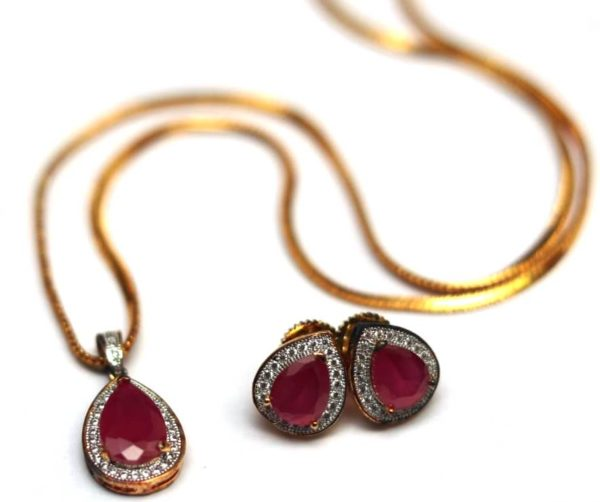 Ruby AD pendent set with chain antique finish