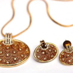 AD stone studded oval shape pendent set with chain