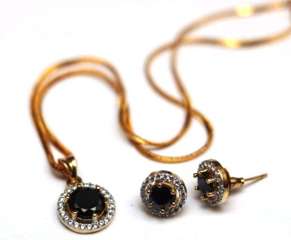 Black stone studded AD pendent set with chain