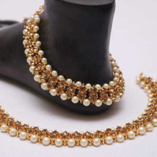 Golden stone studded pearl bridal anklet