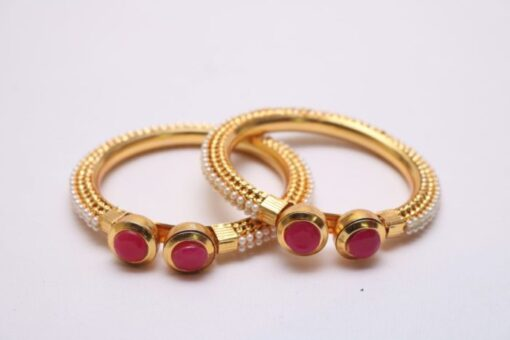 Pearl red stone bangles
