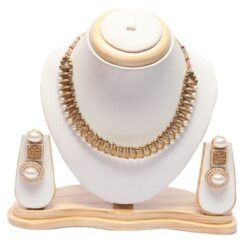 Golden choker necklace set in pearls