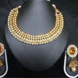 Emeral colour Gold-Tone-jhumkaa-with-matching-earrings
