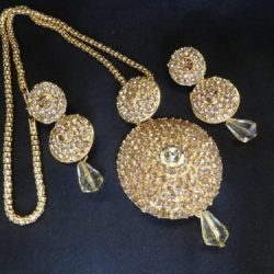 Gold-Tone-Stone-studded-Pendant-Set