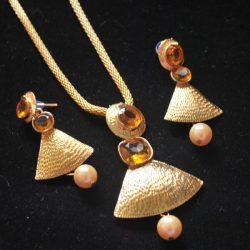 Artificial Designer Gold Pendant set