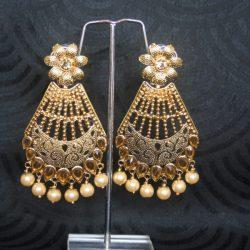 Gold-tone-pearl-earrings