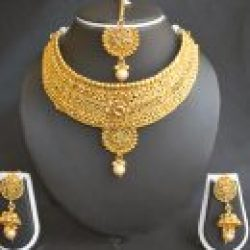 Imitation artificial handcrafted artificial choker necklace set in gold tone-2