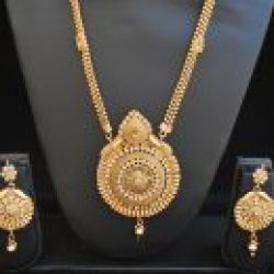 Imitation artificial necklace set in round motif long and gold-1