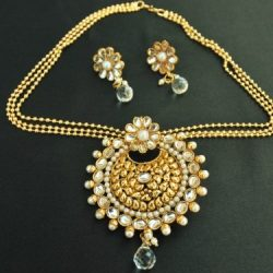 Imitation beautiful floral kundan pendant set