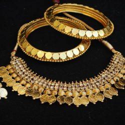 mitation gunie laxmi necklace set matching gunie bangles