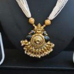 Imitation multilayer peacock motif necklace set and Jadau-2