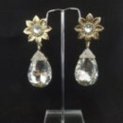 Imitation  pearl earrings – elegant and stylish