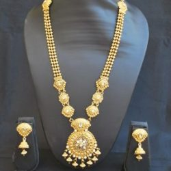 Imitation artificial traditional long haram necklace set in gold tone