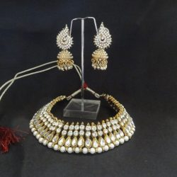 Stone-studded-jhumkii-with-Necklace