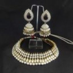 Traditional-Red-and-Pearl-Jhumka-with-Necklace